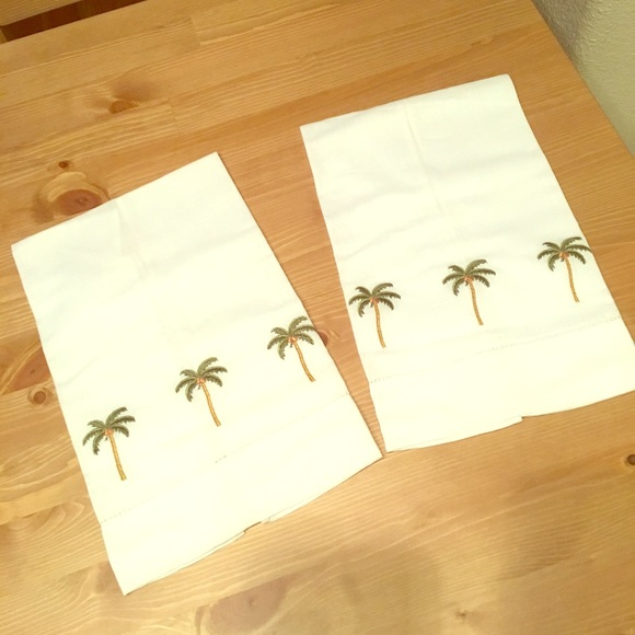 Other - Palm tree finger towels